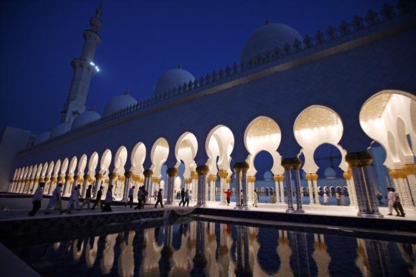 Sheikh Zayed mosque-smaller